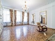 5-room apartment for rent at 22, Bolshaya Monetnaya Street Saint-Petersburg