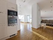 Rent stylish 4-room apartment-mansard with a terrace at 6, Italianskaya Street