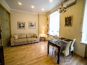 Lease bright 2-room apartment in the very center at 2B, Griboedova Ch. Emb., St-Petersburg