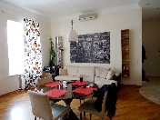 Stylish 3-room apartment with view for rent at 66, Nevsky prospekt