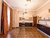 Аренда классической 4-комнатной квартиры ул. Рубинштейна д. 15-17 С-Петербург