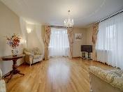 Louer appartement de 2-pièces de luxe à 11, rue Gluharskaya Saint-Pétersbourg