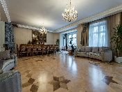 Author's design 5-room apartment to let in front of Tavrychesk garden Saint-Petersburg