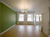 Louer appartement moderne de 5-pièces maison de prestige 1, rue Mal. Konushennaya SPB