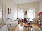 Appartement élégant de 3-pièces à louer maison de prestige 1/3, rue M. Konushennaya SPB