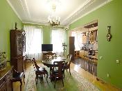 Classical design 4-room apartment for rent at 5, Rubinshteina Str. Saint-Petersburg