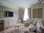 "Classical 2-room apartment for rent elite house ""Caesar"" 9, Pushkarsky Lane St-Petersburg"