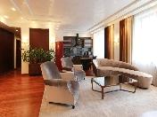 Аренда дизайнерской 4-комнатной квартиры в элитном доме Офицерский пер. 8 СПБ